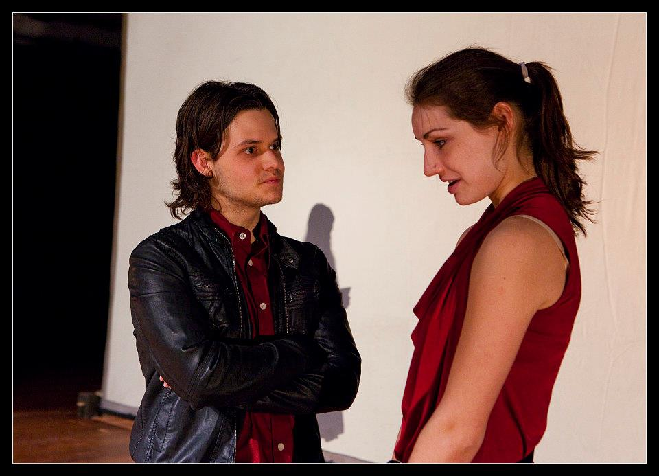 De vertellingen van 1001 vraagtekens achter het woord 'liefde'. Written and Directed by Annemiek van Elst For Het Zuidelijk Toneel