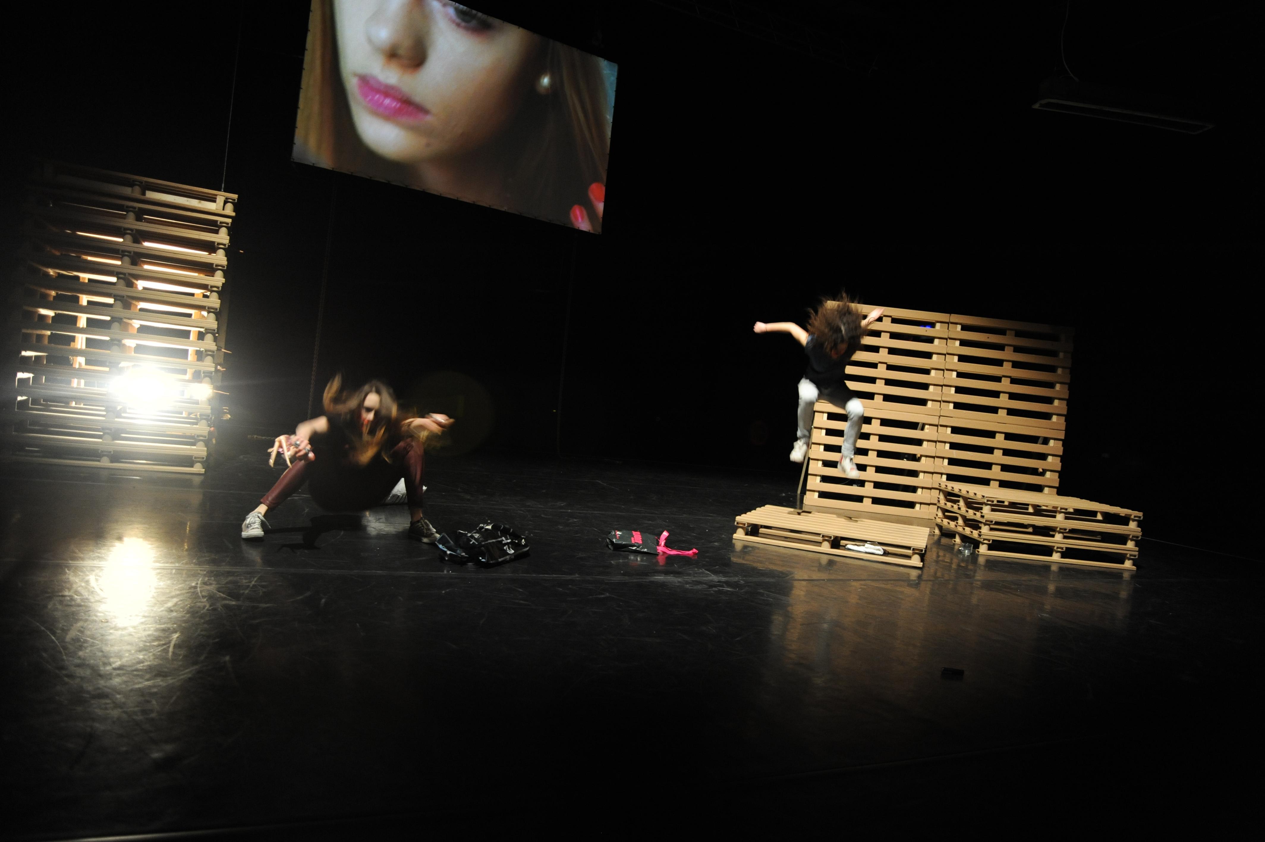 I'd either die at 27 or live 4-ever by TG Simon&IK (Annemiek van Elst & Sacha Eva van der Mast)